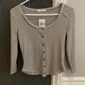Fashionable striped long sleeve with buttons!